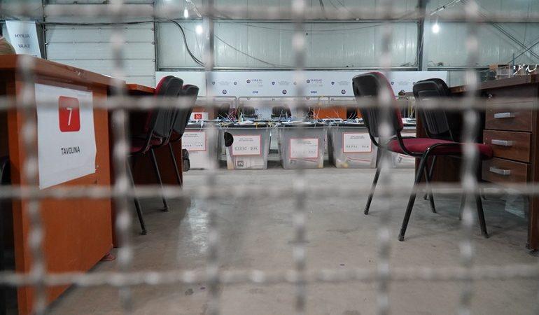 KOSOVË/ Mbi 9 mijë fletëvotime të ardhura me postë janë shpallur të pavlefshme