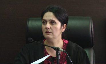 SEANCA NË KLGJ PËR SHKARKIMIN E GJYQTARES/ Kreu i ILD-së rrëzon avokatin për pezullimin e procesit: Nuk jam dakord, keni pasur kohë