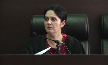 GJKKO E LA NË ARREST ME BURG/ KLGJ pezullon nga detyra gjyqtaren e Krujës, Enkeleida Hoxha