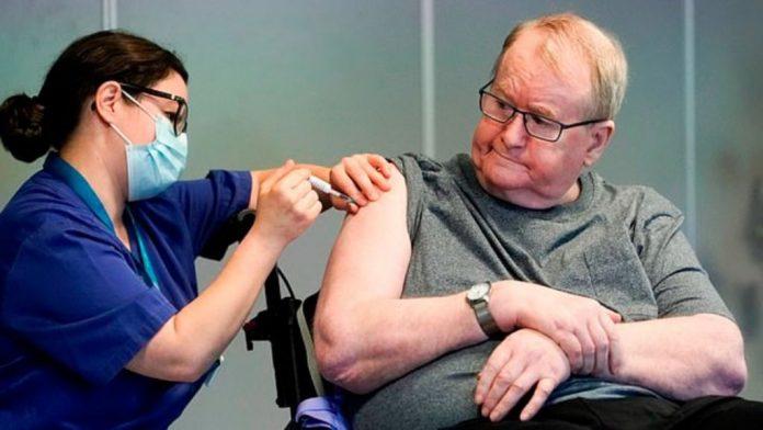 COVID-19/ Mjekja shqiptare në SHBA: Ja sa doza duhet të marin personat që e kanë kaluar virusin