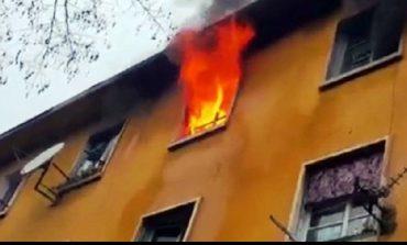 ZJARR GJATË NATËS NË BERAT/ Digjen tre banesa ngjitur njëra-tjeteës, dyshohet edhe për dy viktima
