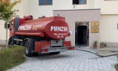 ZJARR NË DREJTORINË ARSIMORE TË FIERIT/ Përfshihet nga flakët kati i dytë, evakuohen punonjësit (VIDEO)