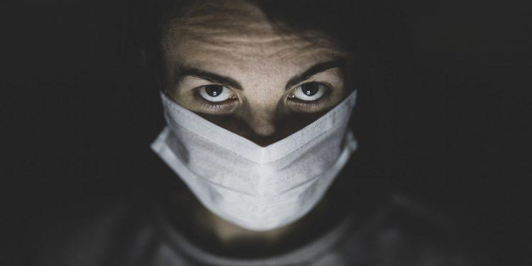 STUDIMI: Një e treta e atyre që kanë kaluar koronavirusin kanë probleme që lidhen me trurin
