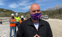 INSPEKTON PUNIMET NË RRUGËN E LUMIT TË VLORËS/ Rama: Shumë shpejt i gjithë Jugu i Shqipërisë do të jetë i ndërlidhur