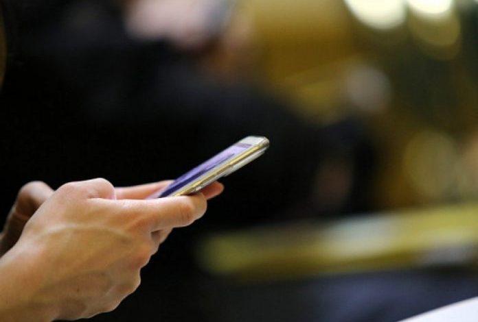 NJË TJETËR RISI/ Aplikacioni i Samsung kthen çdo iPhone në një telefon Galaxy