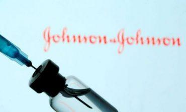 SHKAKTON MPIKSJE GJAKU/ SHBA pezullon vaksinimin me vaksinën Johnson & Johnson