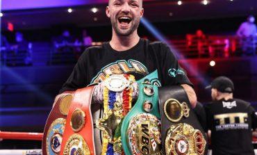"""""""I KAM FITUAR ME GJAK""""/ I mbrojti titujt në ring, boksieri britanik i humbet gjerdanët në aeroport"""