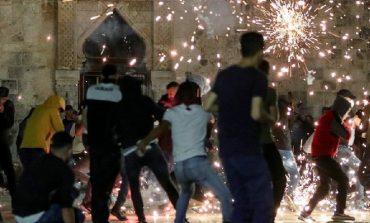 TENSION NË JERUSALEM/ 205 të plagosur nga përleshja mes palestinezëve dhe policisë izraelite