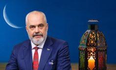 """""""ZBRITJA E KURANIT TË SHENJTË""""/ Rama uron besimtarët myslimanë për Natën e Kadrit"""