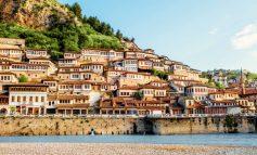 """""""KA NJË MJEDIS MALOR MADHËSHTOR...""""/ Faqja e njohur: Shqipëria një destinacion turistik pa rrezik, pavarësisht Covid-19"""