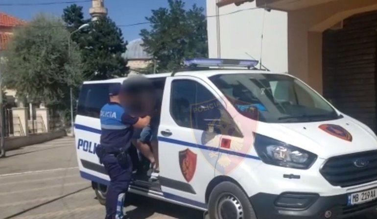 DHUNUAN POLICIN NË MES TË FUSHËS/ Arrestohet Presidenti dhe Drejtori teknik i klubit të Kastriotit