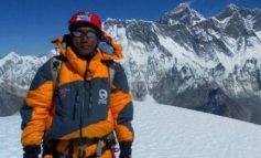 SHËNON REKORDIN/ Një burrë nga Nepali ngjitet për herë të 25 në malin Everest
