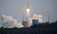U PA PËRTEJ ADRIATIKUT/ Të gjithë me sytë nga qielli, shihni ku ndodhet tani raketa kineze