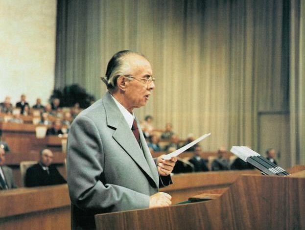 DOSSIER/ Çfarë shkruante Enver Hoxha në ditarin e tij më maj '81: Titoja, Moshe Pijade, Miladin Popoviçi kanë folur…