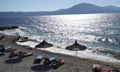 VLORA ÇEL SEZONIN TURISTIK/ Mbërrijnë turistët e parë, optimizëm për një vit premtues