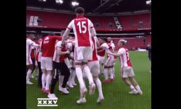 MADHËSHTOR/ Ajax shpallet kampion i Holandës, shikoni festën e çmendur të lojtarëve (VIDEO)
