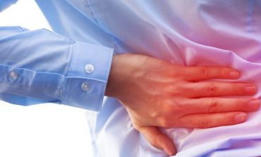 KËSHILLA QË DUHEN LEXUAR/ Çfarë e shkakton dhimbjen në fundshpinë dhe si ta shmangni