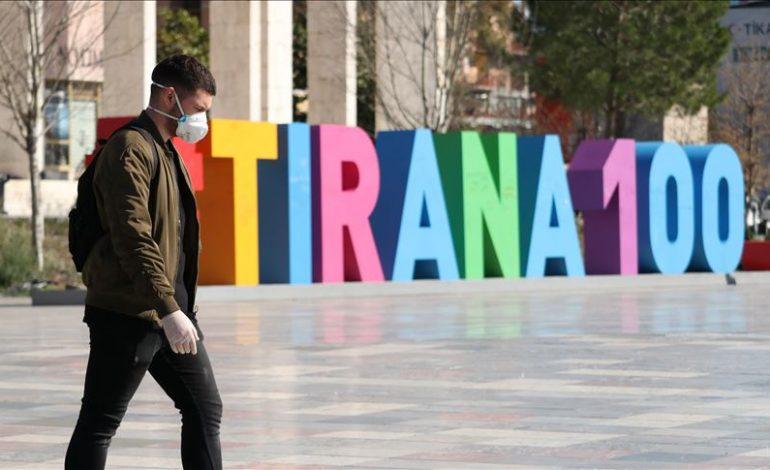 PARALAJMËROJNË VALË COVIDI EDHE NË VJESHTË/ Ekspertët: Tirana nuk konsiderohet me risk të lartë, problem është…