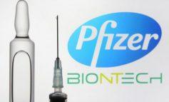STUDIMI: Vaksina e Pfizer funksionon më mirë me dy doza