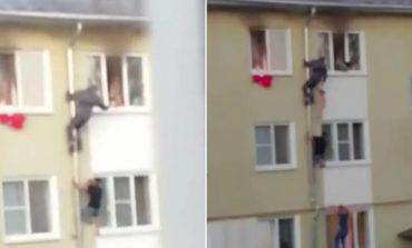 APARTAMENTI PËRFSHIHET NGA FLAKËT NË RUSI/ Ja momenti kur shpëtohen tre fëmijë (VIDEO)