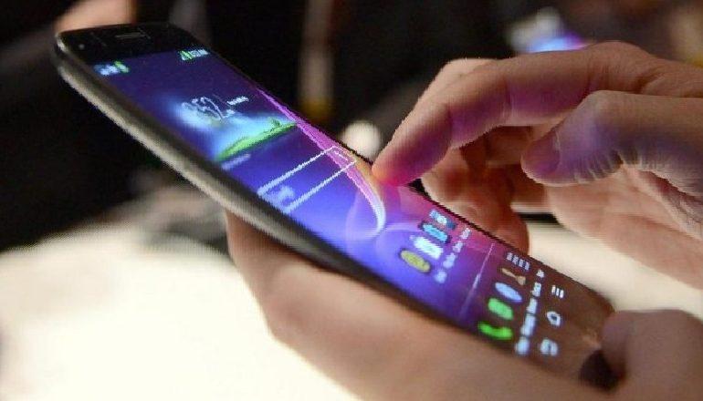 CELULARËT/ Rritja e përdorimit të internetit nuk ndalet, 33% më shumë në janar-mars