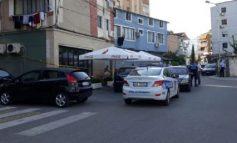 E RËNDË/ Adoleshenti plagos 30 vjeçarin në Elbasan, e qëllon më shumë se 5 herë me thikë