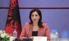MARRËVESHJA ME AMBASADËN ITALIANE NË TIRANË/ Ministrja Kushi: Projekti pilot edukativ anti-korrupsion...