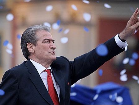 Sa tremb realisht rikthimi i Berishës në krye të PD dhe sinjalet politike në politikën shqiptare