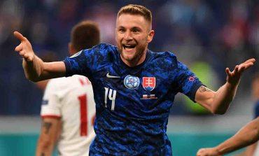 """""""EURO 2020""""/ Sllovakia mposht me PËRMBYSJE Poloninë, bomberi Lewandowski në HIJE"""