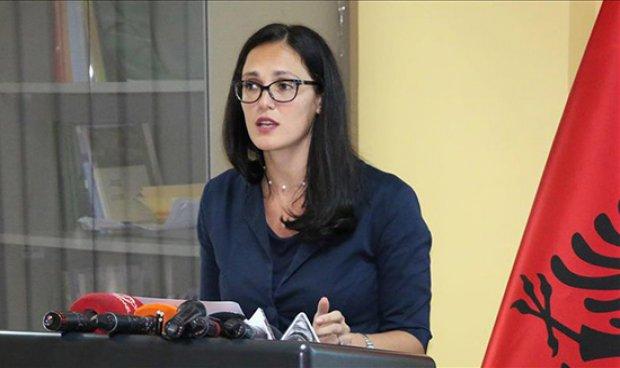 """""""ULJEN E INFORMALITETIT…""""/ Drejtoresha e Tatimeve sqaron: Ja pse na shërben fiskalizimi"""