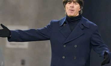 """U LA JASHTË """"EURO 2020""""/ Vëllai i mbrojtësit të Bayern Munich: Trajneri Low ka probleme"""