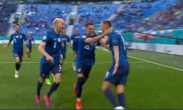 """""""EURO 2020""""/ Pas një krosimi nga këndi, mbrojtësi Skriniar ndëshkon Poloninë me një """"PERLË"""" (VIDEO)"""