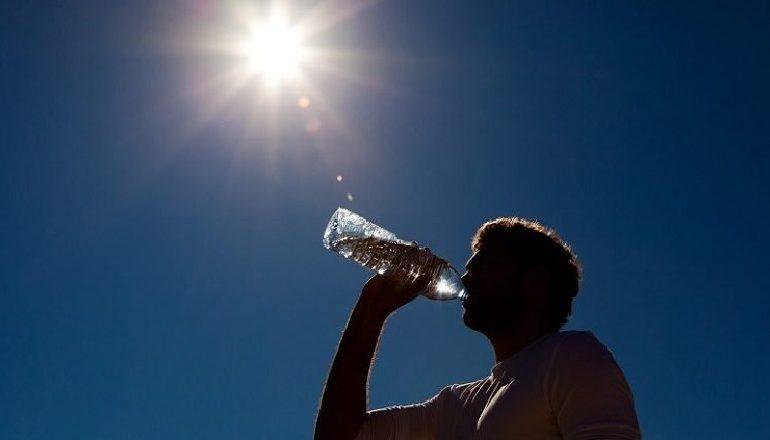 VENDI NËN PUSHTETIN E TË NXEHTIT AFRIKAN/ Ja sa gradë shkojnë temperaturat sot. Parashikimi i motit