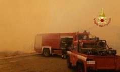 """""""NJË DRAMË...""""/ Autoritetet italiane kërkojnë ndihmë për neutralizimin e zjarrit në Sardenjë (FOTO)"""