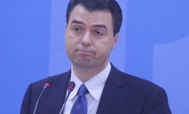 PËRBALLË GAZETARËVE/ Dy momentet ku Basha iu SHMANG pyetjeve: Protestat dhe... Berisha