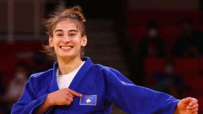 """""""YLL, BRAVO…""""/ Rama uron xhudisten kosovare pas fitimit të medaljes së artë"""