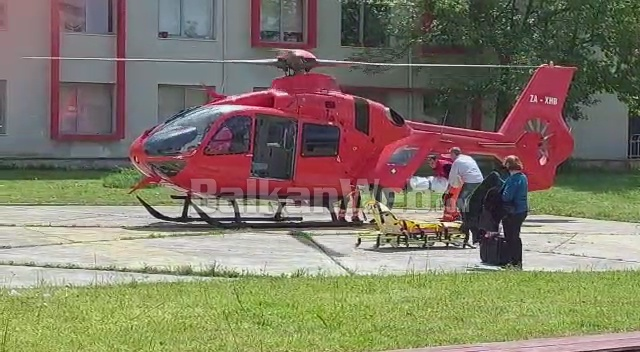 E RËNDË NË POGRADEC/ E reja vetëdigjet me benzinë, transportohet me helikopter drejt Tiranës