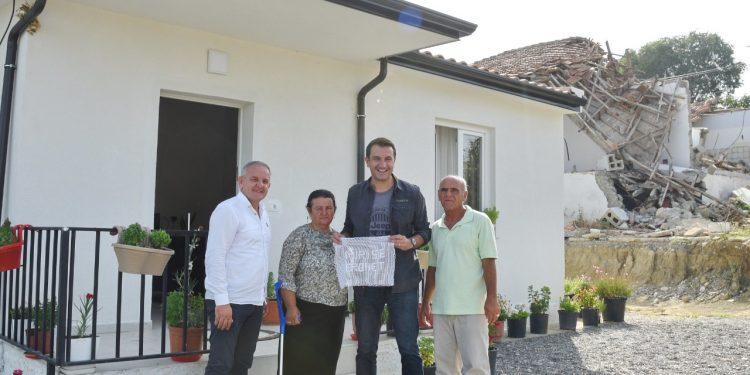 RINDËRTIMI/  Dy familje të tjera hyjnë në shtëpitë e reja në Farkë të Madhe