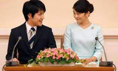 NDODH EDHE KJO/ Princesha japoneze heq dorë nga posti mbretëror dhe 1 mln dollarë për t'u martuar me shokun e klasës
