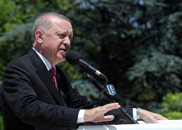 """""""TURQIA NUK KA KAPACITET""""/ Erdogan: BE të mbajë 'barrën' e emigrimit nga Afganistani"""