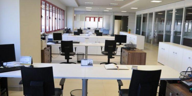 """LAJM I MIRË/ Qeveria """"Rama"""" shton edhe 12 mijë të punësuar në sektorin publik"""