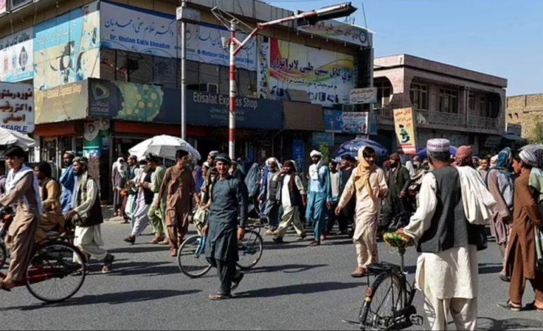 PROTESTAT NË AFGANISTAN/ Talebanët dëbojnë qytetarët nga shtëpitë për të strehuar luftëtarët