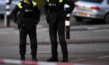 E RËNDË/ Vriten dy persona gjatë një sulmi ne thikë në Holandë