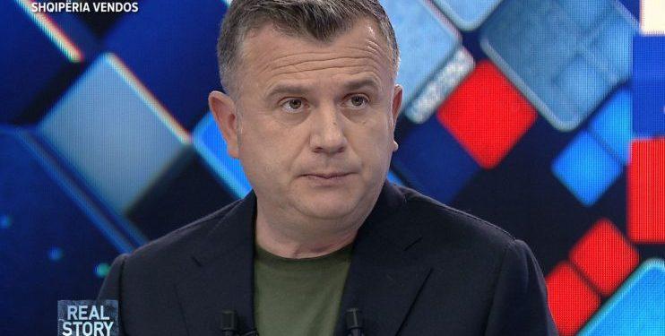 """""""FALEMINDERIT""""/ Balla përshëndetet me përfaqësuesit e PS në Elbasan: Do punojmë fort…"""