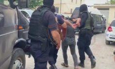 """""""JAM POLIC ORE MË LËSHONI...""""/ Hajduti përplaset me efektivët gjatë arrestimit në Tiranë"""