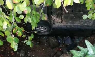 AKSIDENTI ME 6 TË PLAGOSUR/ Shikoni ku ka përfunduar makina që doli nga rruga në Burrel (PAMJET)