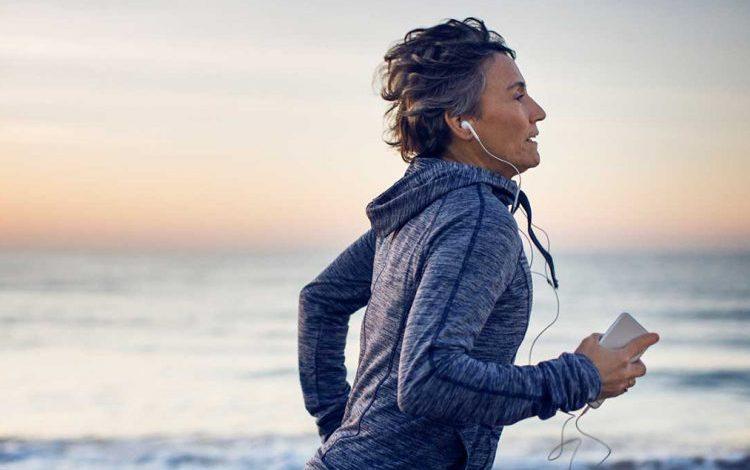 METABOLIZMI NDRYSHON ME MOSHËN/ Zbuloni kur trupi juaj djeg më shumë kalori