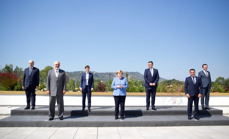 FOTOLAJM/ Merkel krah liderëve të Ballkanit Perëndimor, Rama në të djathtë të kancelares