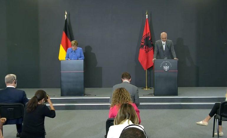 LIVE/ Konferencë shtypi me kancelaren Merkel, Rama: Privilegj të kisha këtë detyrë në të njëjtën kohë me të