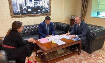 """HARTA E RE GJYQËSORE/ KLGJ konsultohet me Ministrinë e Drejtësisë. Priten diskutime me KLP, """"Financat"""" dhe grupet e interesit"""